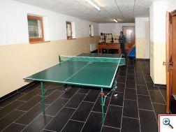 Tischfussball, Tischtennis, Fitnessgeräte